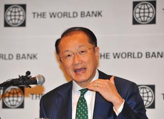 記者会見するジム・ヨン・キム世界銀行総裁【2012年3月撮影】