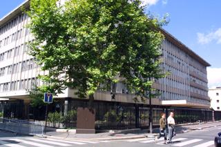 フランス・パリにある経済開発協力機構OECD本部【2001年8月撮影】