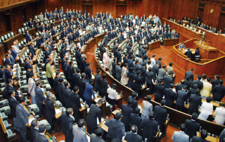 衆議院本会議で可決された電子記録債権法案【2007年6月撮影】