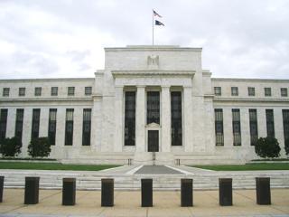 アメリカ・ワシントンにある米連邦準備制度理事会(FRB)の本部ビル【2008年4月撮影】